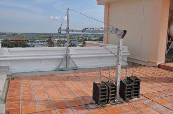 Строительная люлька для фасадных работ ZLP-630, длина корзины 1 м -