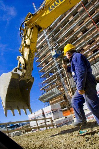 Грузовой строительный подъемник МТ-1000, высота подъема до 30 м